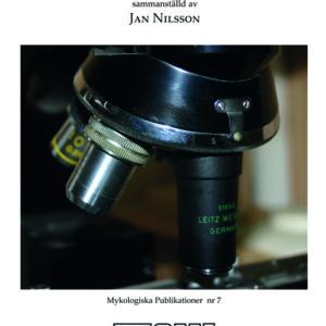Svamp under mikroskopet är ett kompendium som  innehåller praktisk handledning för dig som vill lära dig mer om hur du kan använda mikroskopet för att studera svampar och viktiga mikrokaraktärer.